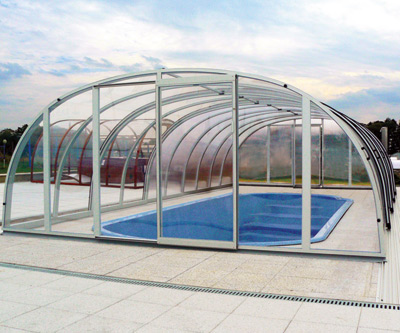 Constellation high pool enclosure