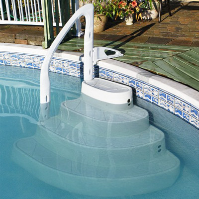 Majestique 4 step removable pool steps