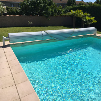 Automatic above ground pool shutters