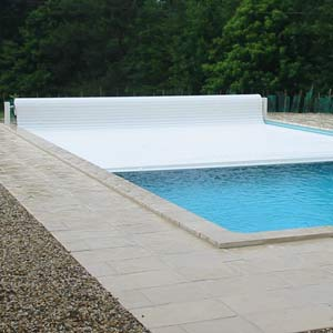 VOLEO automatic pool cover