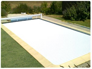 Abriblue manual pool cover