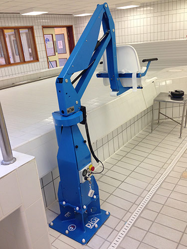 F100M, static pool lift for disabled access