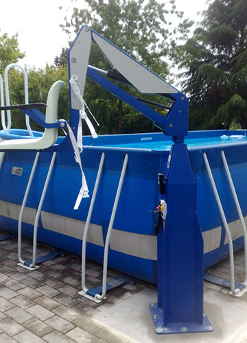 F100 static pool lift in raised position