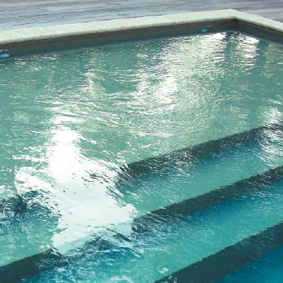 RESIST 75 made to measure inground pool liner, resistant to high temperatures