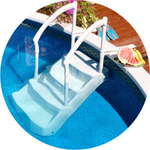 Full view Lumi O VOIE ROYALE removable pool steps