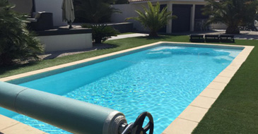 ESTINA 9,60 x 4,00 m polyester shell pool, depth 1,50 m, flat floor without filtration